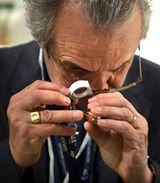 宝石の鑑定は、本当に眼を酷使します・・